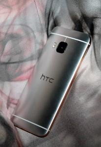10_HTC_One_M9